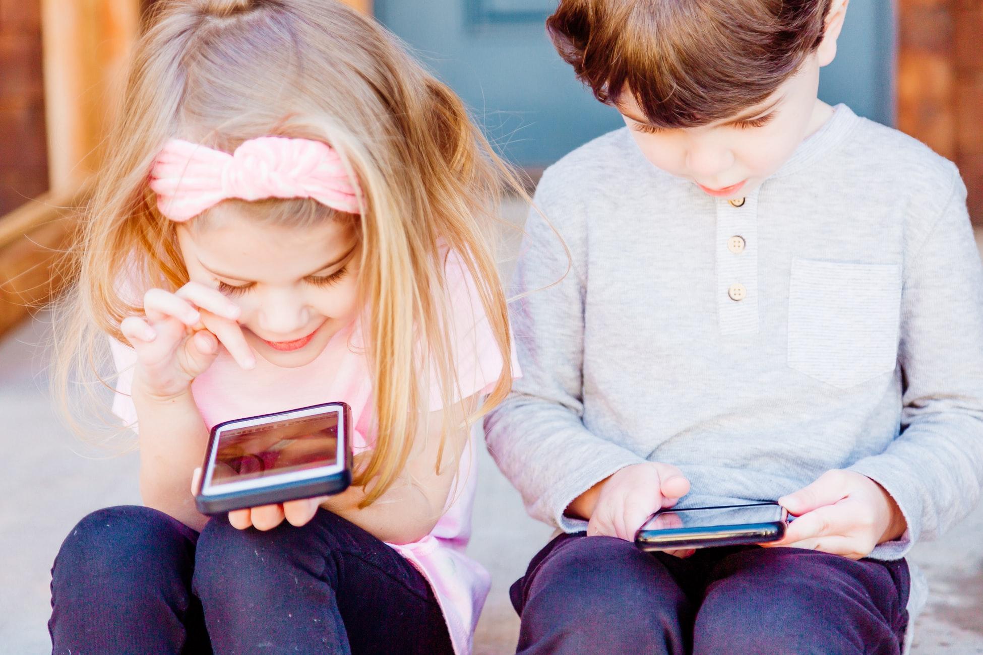 child smart phone